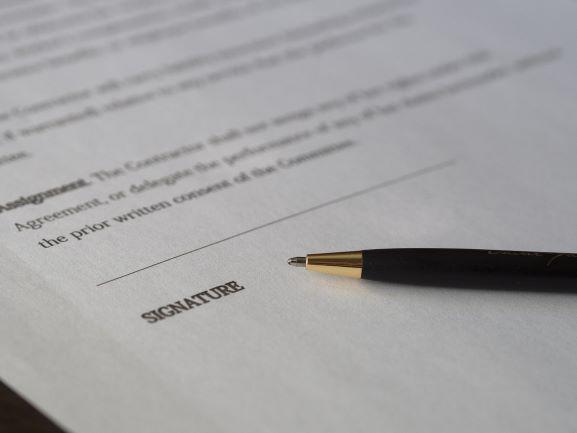 Jak interpretować umowy angielskie?