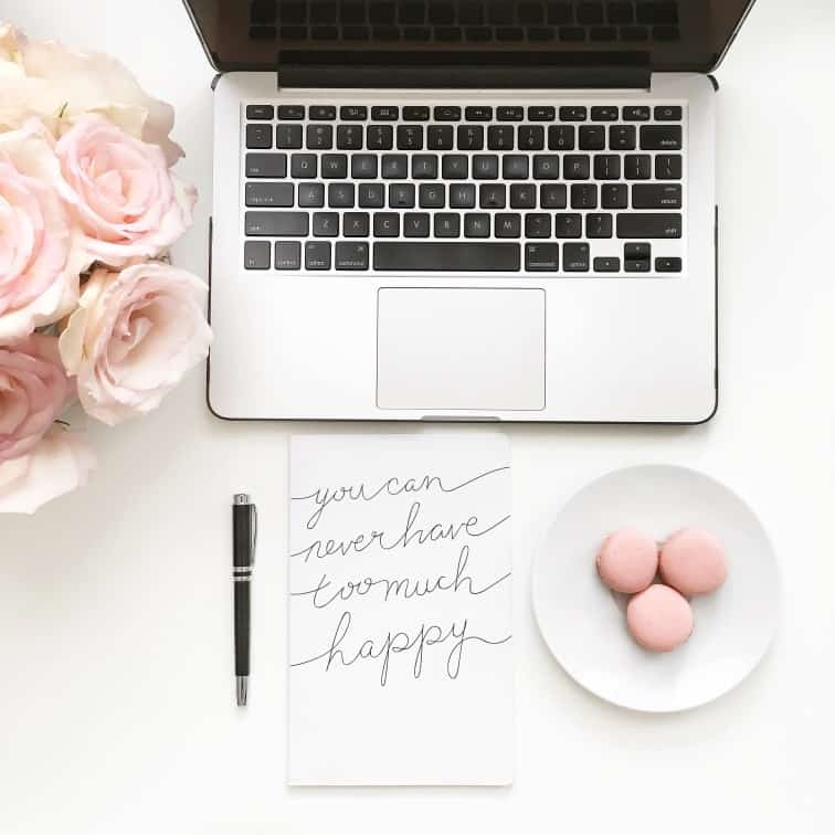 inspiration-notebook-on-desk_t20_neo6dA